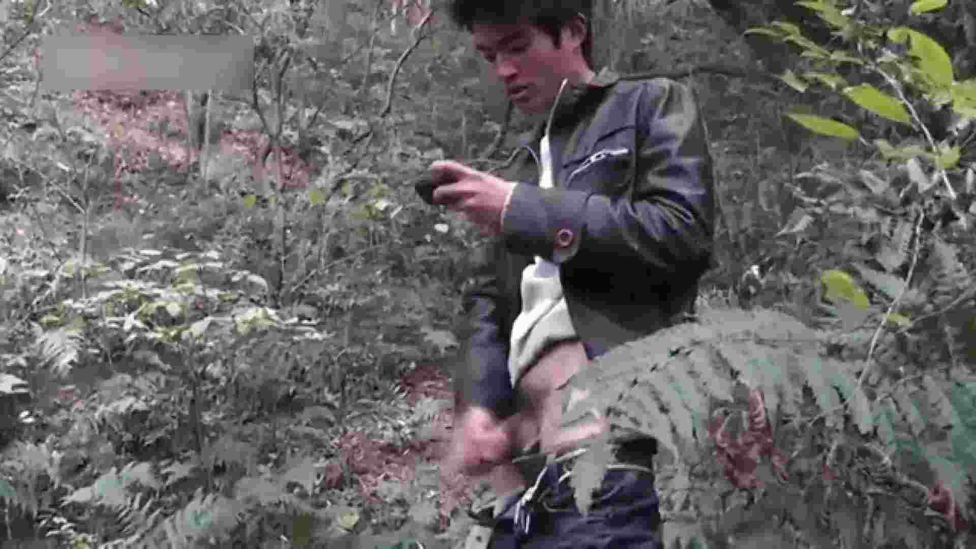 草原の中のオナニー 無修正 ゲイエロビデオ画像 102pic 68