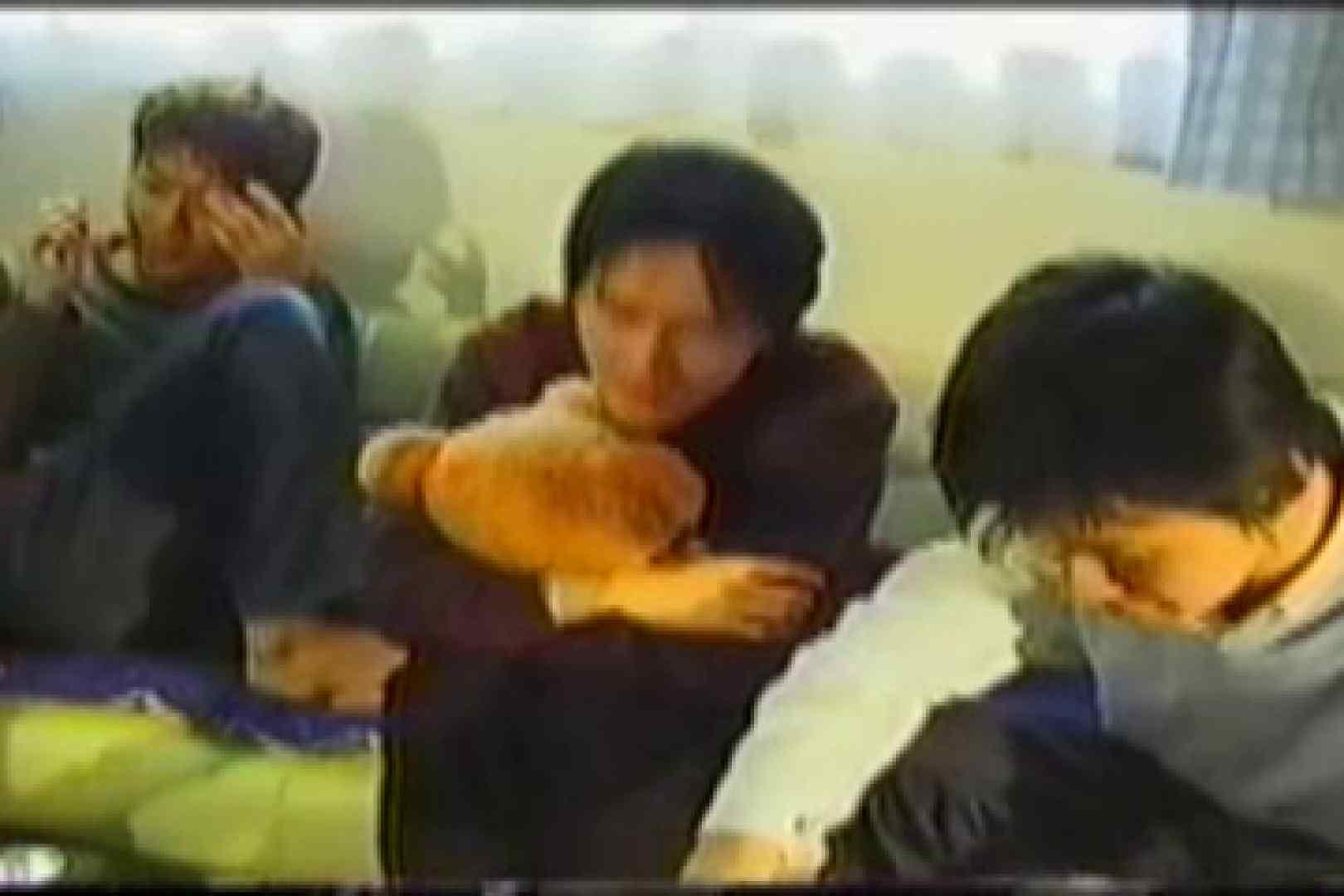 【流出】若者たちの集い 連結フェラ 男同士動画 48pic 45